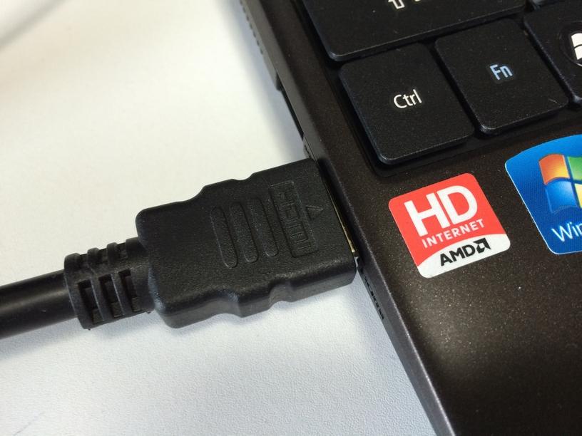 HDMIケーブル接続