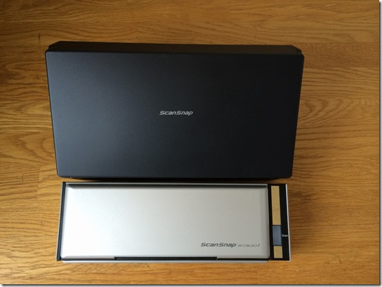 iX500とS1300iのサイズ比較